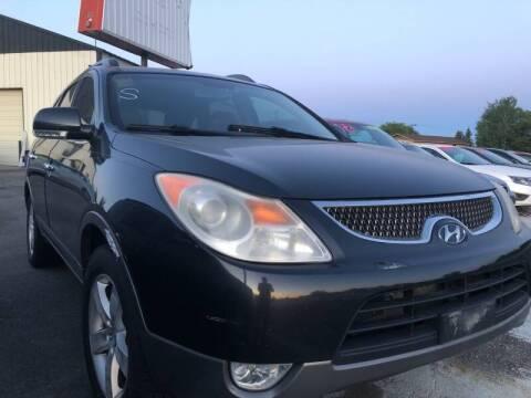 2008 Hyundai Veracruz for sale at BELOW BOOK AUTO SALES in Idaho Falls ID