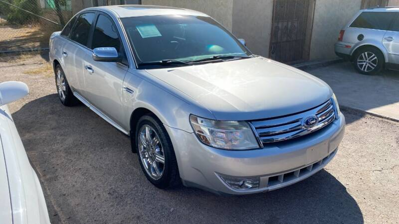 2009 Ford Taurus for sale at BARRIO MOTORS in El Paso TX