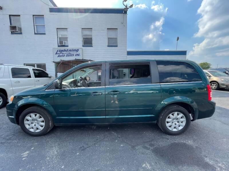 2009 Chrysler Town and Country for sale at Lightning Auto Sales in Springfield IL