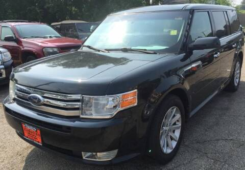 2010 Ford Flex for sale at Knowlton Motors, Inc. in Freeport IL