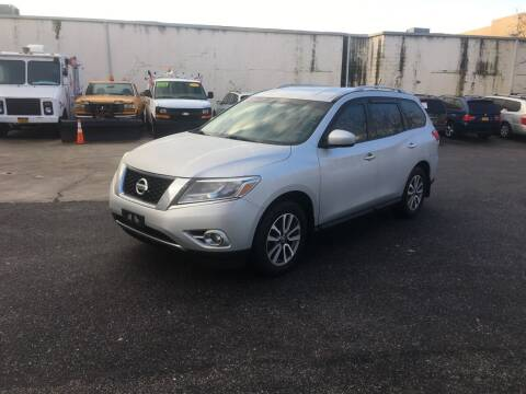 2014 Nissan Pathfinder for sale at 1020 Route 109 Auto Sales in Lindenhurst NY