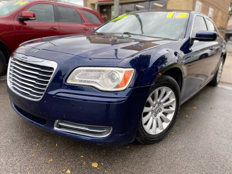 2013 Chrysler 300 for sale at Drive Now Autohaus in Cicero IL