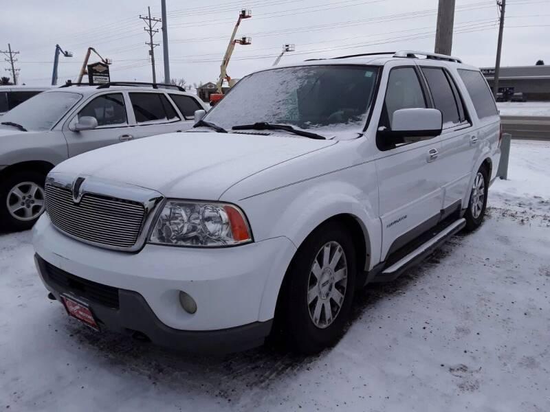2003 Lincoln Navigator for sale at BARNES AUTO SALES in Mandan ND