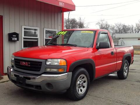 2005 GMC Sierra 1500 for sale at Midwest Auto & Truck 2 LLC in Mansfield OH