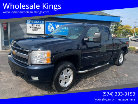 2007 Chevrolet Silverado 1500 for sale at Wholesale Kings in Elkhart IN