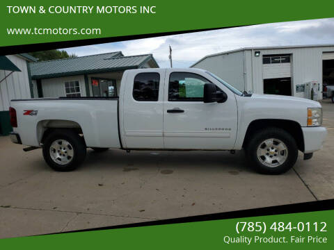 2010 Chevrolet Silverado 1500 for sale at TOWN & COUNTRY MOTORS INC in Meriden KS