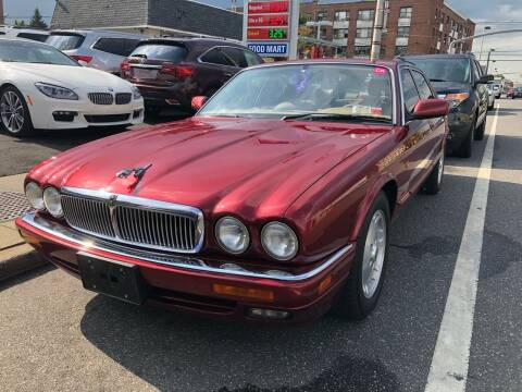 1995 Jaguar XJ-Series for sale at OFIER AUTO SALES in Freeport NY