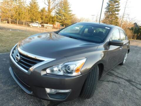 2013 Nissan Altima for sale at Safeway Auto Sales in Indianapolis IN