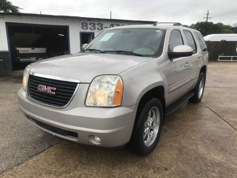 2007 GMC Yukon for sale at AMERICAN AUTO COMPANY in Beaumont TX