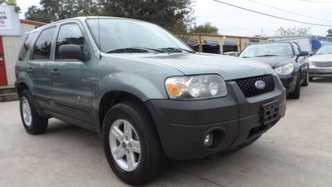 2006 Ford Escape Hybrid for sale at Exhibit Sport Motors in Houston TX