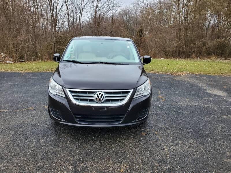 2010 Volkswagen Routan for sale at Discount Auto World in Morris IL