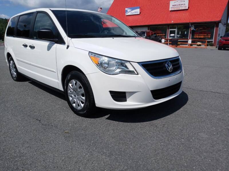 2012 Volkswagen Routan for sale at Mulligan's Auto Exchange LLC in Paxinos PA