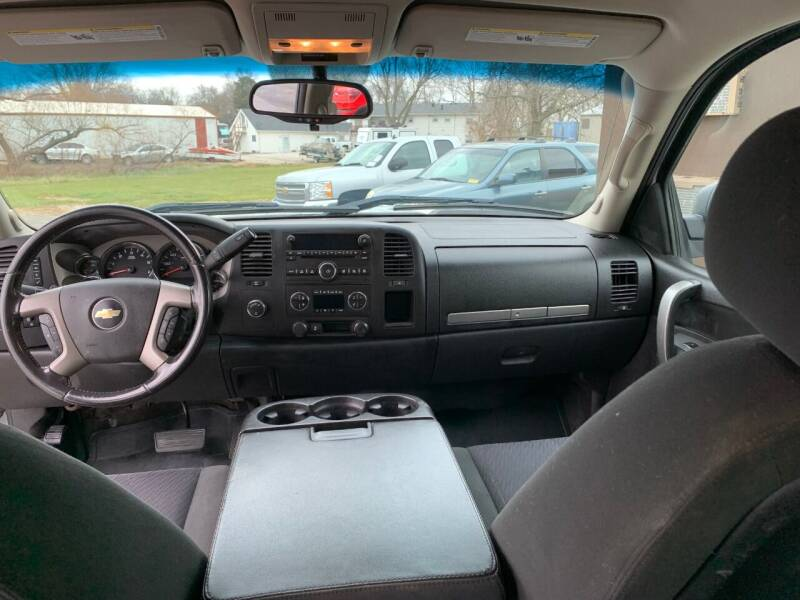 2012 Chevrolet Silverado 1500 4x4 LT 4dr Crew Cab 5.8 ft. SB - Stilwell KS