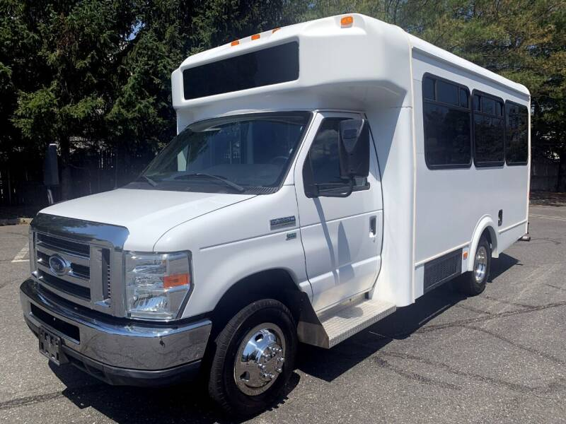 2012 Ford E-350 for sale in Westbury, NY