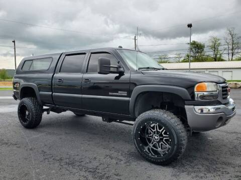 2005 GMC Sierra 2500HD for sale at SOUTH MOUNTAIN AUTO SALES in Shippensburg PA