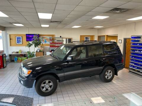 2000 Toyota Land Cruiser for sale at FIESTA MOTORS in Hagerstown MD