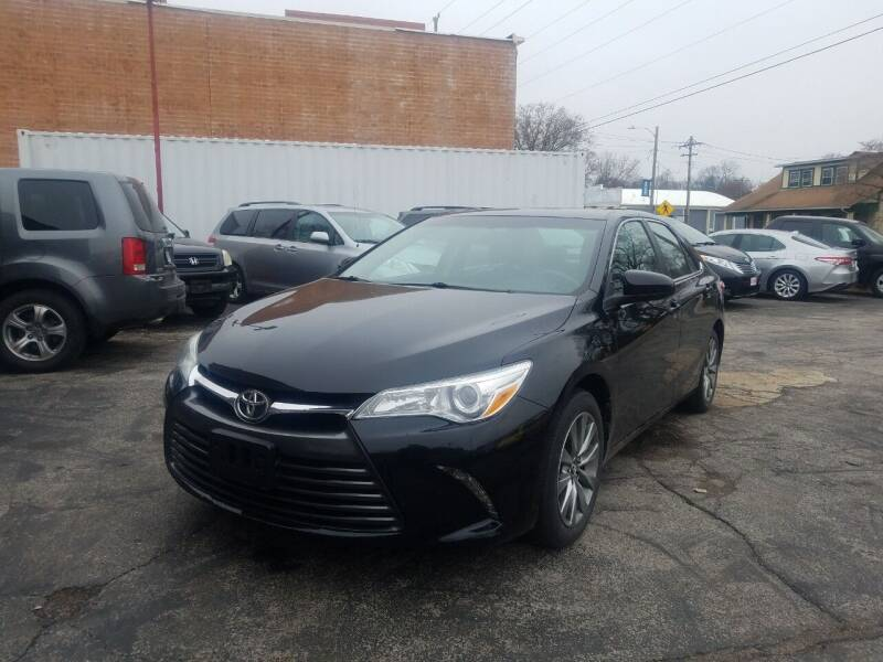 2016 Toyota Camry for sale at Best Deal Motors in Saint Charles MO