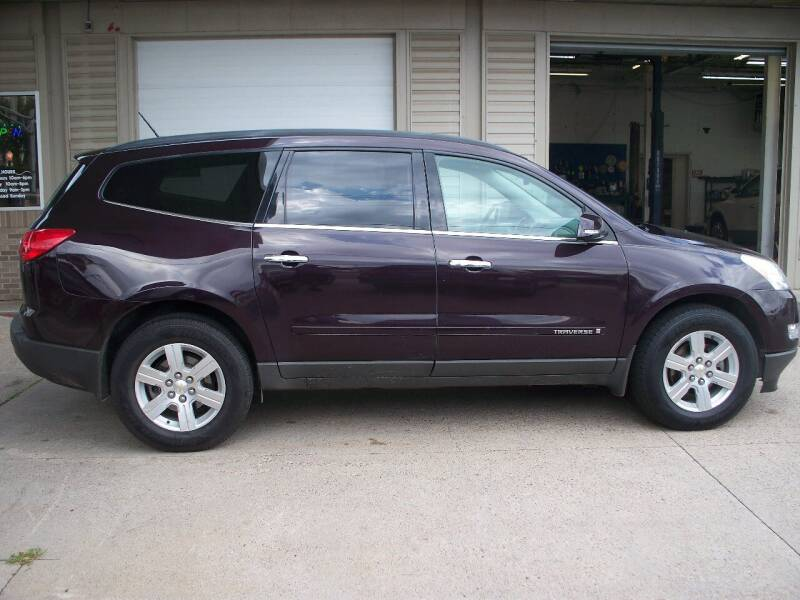 2009 Chevrolet Traverse for sale at North Metro Auto Sales in Cambridge MN