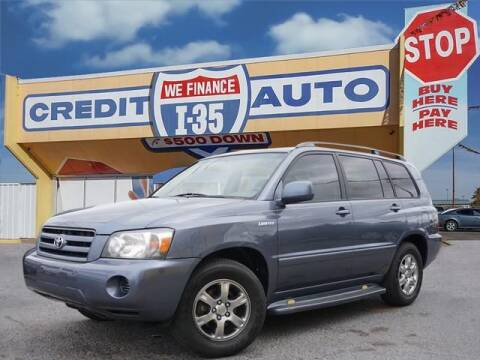 2004 Toyota Highlander for sale at Buy Here Pay Here Lawton.com in Lawton OK