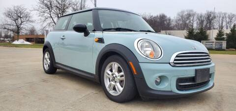 2013 MINI Hardtop for sale at Lease Car Sales 3 in Warrensville Heights OH