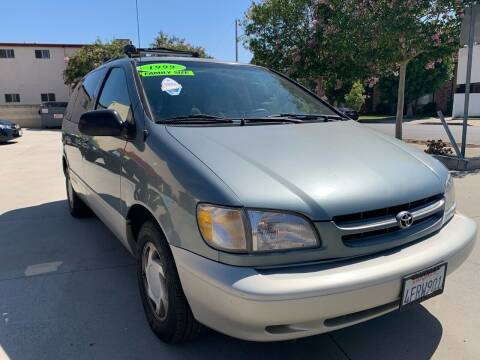 1999 Toyota Sienna for sale at Select Auto Wholesales in Glendora CA