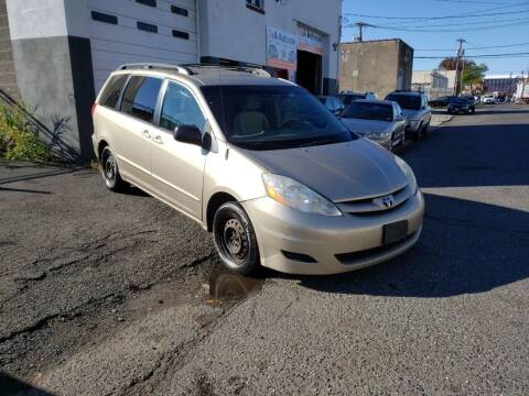 2006 Toyota Sienna for sale at O A Auto Sale in Paterson NJ
