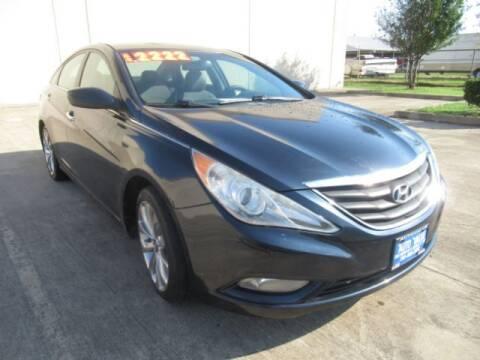 2013 Hyundai Sonata for sale at AUTO VALUE FINANCE INC in Stafford TX