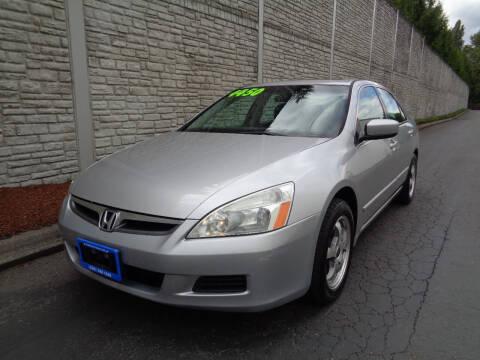 2006 Honda Accord for sale at Matthews Motors LLC in Algona WA
