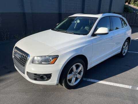 2011 Audi Q5 for sale at APX Auto Brokers in Lynnwood WA