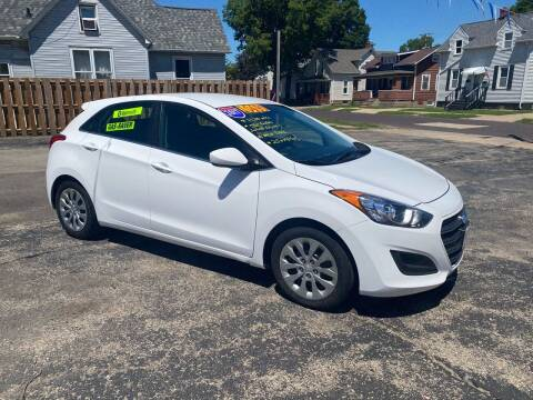 2017 Hyundai Elantra GT for sale at PEKIN DOWNTOWN AUTO SALES in Pekin IL