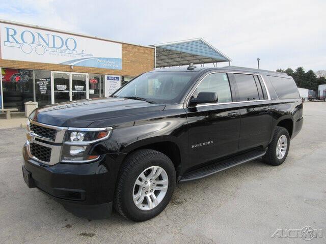 2017 Chevrolet Suburban for sale at Rondo Truck & Trailer in Sycamore IL