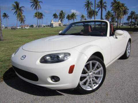 2006 Mazda MX-5 Miata for sale at FLORIDACARSTOGO in West Palm Beach FL