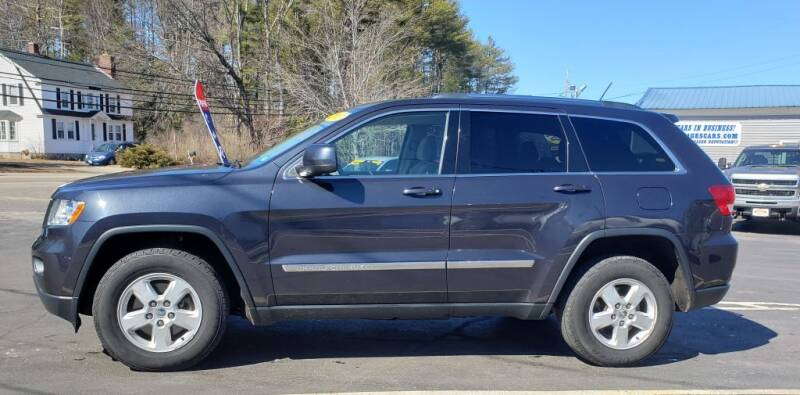 2013 Jeep Grand Cherokee for sale at Healey Auto in Rochester NH