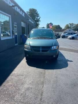 2005 Dodge Grand Caravan for sale at Creditmax Auto Sales in Suffolk VA
