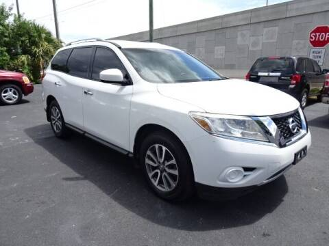 2013 Nissan Pathfinder for sale at DONNY MILLS AUTO SALES in Largo FL
