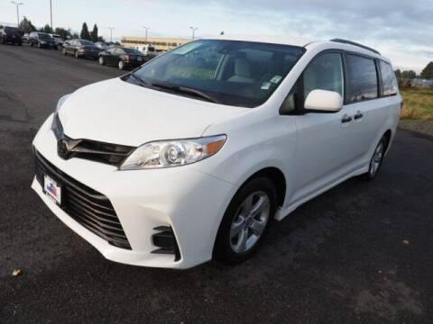 2020 Toyota Sienna for sale at Karmart in Burlington WA