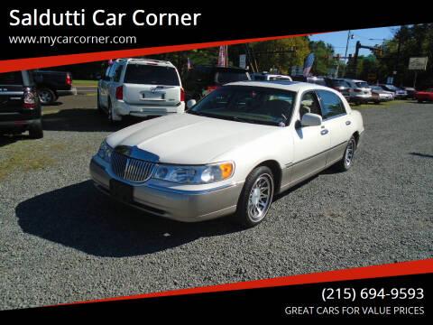 2000 Lincoln Town Car for sale at Saldutti Car Corner in Gilbertsville PA