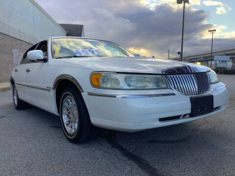 1999 Lincoln Town Car for sale at Active Auto Sales Inc in Philadelphia PA