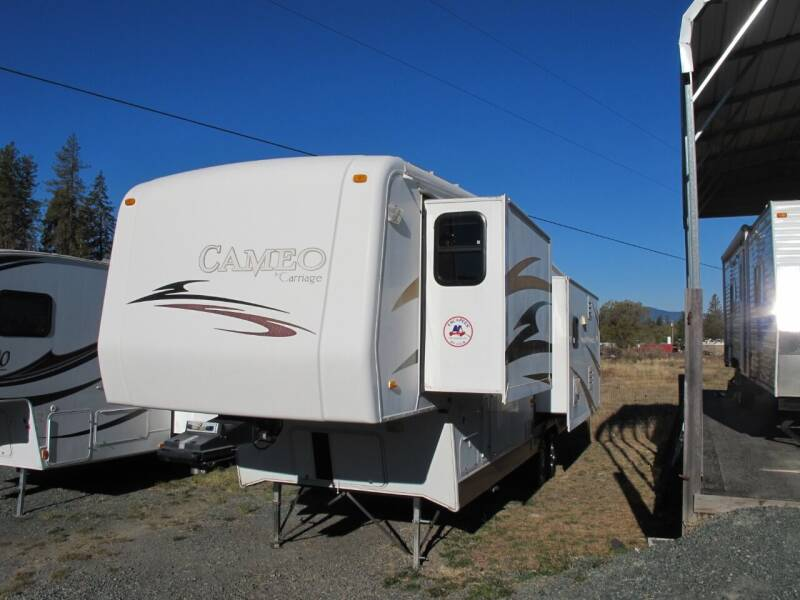 2007 Carriage Cameo model F35K53  3-Slideout for sale at Oregon RV Outlet LLC - 5th Wheels in Grants Pass OR