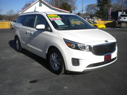 2016 Kia Sedona for sale at Houser & Son Auto Sales in Blountville TN