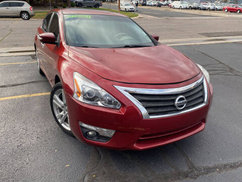 2013 Nissan Altima for sale at R n B Cars Inc. in Denver CO