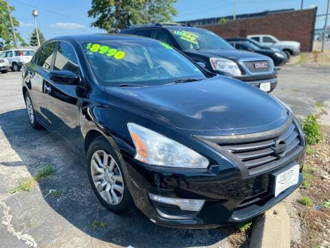 2013 Nissan Altima for sale at Rocket Cars Auto Sales LLC in Des Moines IA