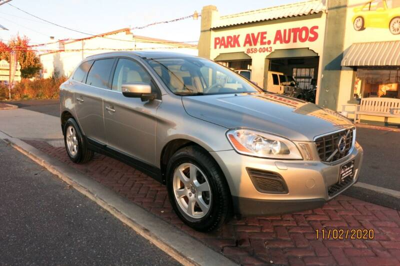 2012 Volvo XC60 for sale at PARK AVENUE AUTOS in Collingswood NJ