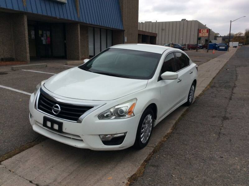 2015 Nissan Altima for sale at AROUND THE WORLD AUTO SALES in Denver CO