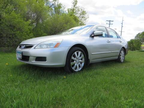 2006 Honda Accord for sale at The Car Lot in New Prague MN