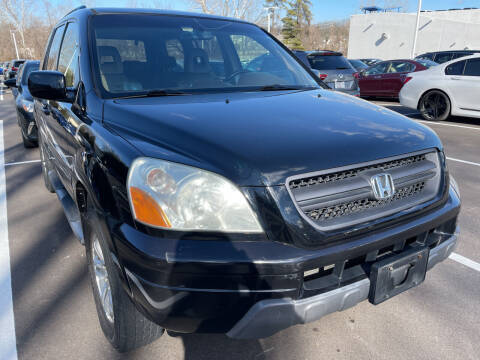 2005 Honda Pilot for sale at Best Deal Motors in Saint Charles MO