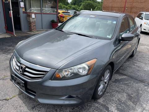 2011 Honda Accord for sale at Best Deal Motors in Saint Charles MO