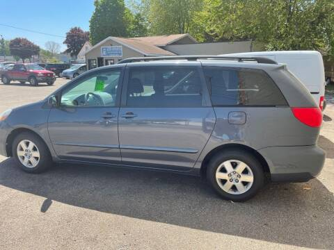 2009 Toyota Sienna for sale at Auto Consider Inc. in Grand Rapids MI