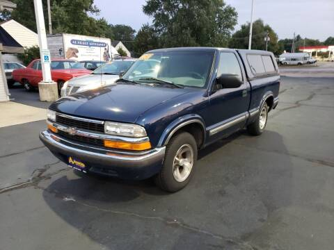 1998 Chevrolet S-10 for sale at Advantage Auto Sales & Imports Inc in Loves Park IL