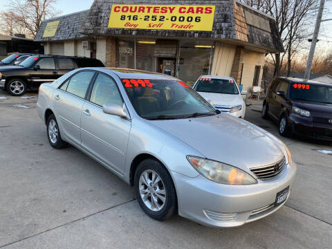 2005 Toyota Camry for sale at Courtesy Cars in Independence MO